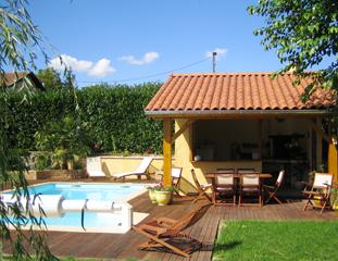 Abri et piscine à Bourgoin-Jallieu (38300)