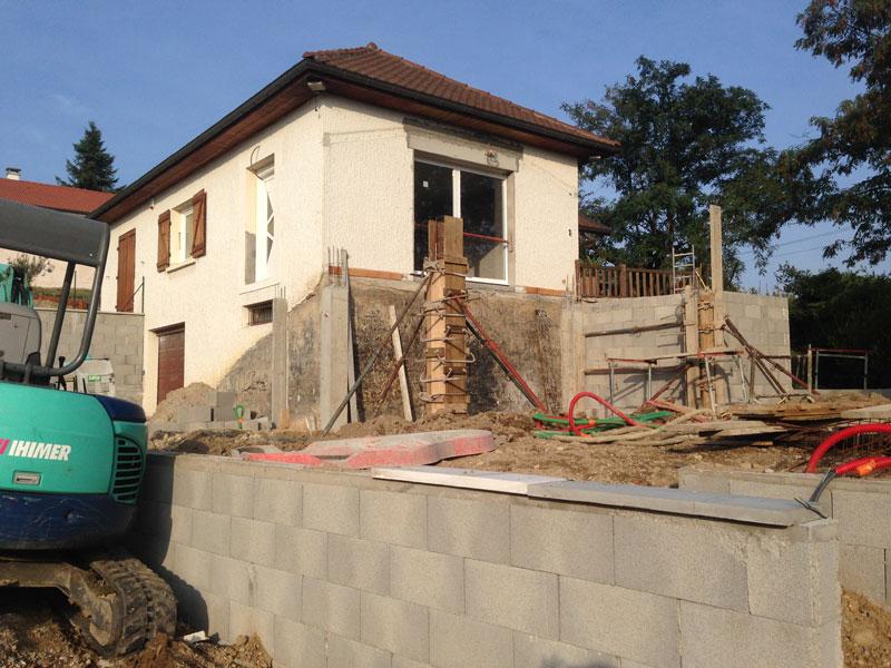 Réalisation d'un mur de clôture et d'une terrasse à Bourgoin-Jallieu (38300)