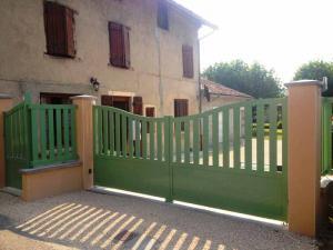 Portail Ruy-Montceau (38300)